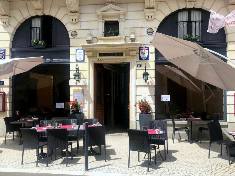 H tel restaurant de la basilique hotels office de - Chambres d hotes paray le monial ...